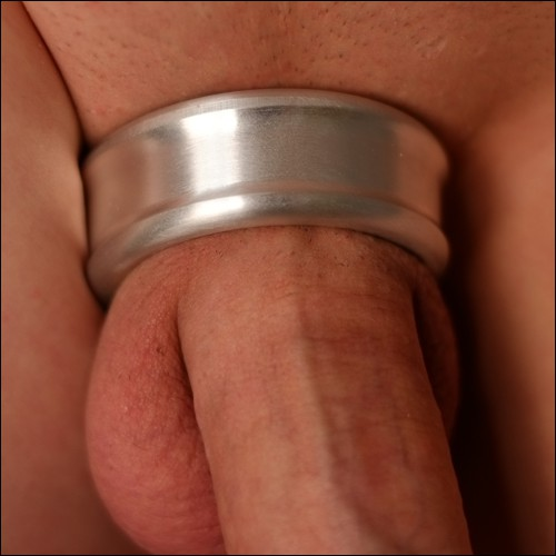 How to use a cock ring safely and other tips and trick